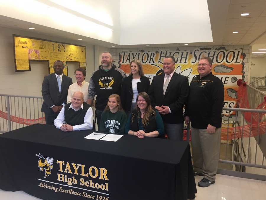 Hannah Korte signing to run cross country at Cleveland State.